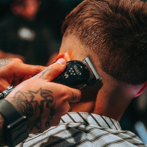 The Wahl Cordless Senior Clipper in action