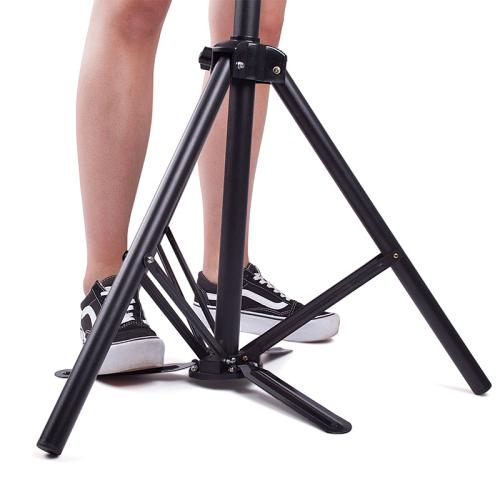 Central foot gives extra stability to the Kobe Deluxe Training Head Tripod