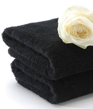 Majestic Majic Black Bleach-Resistant Towels (x12)